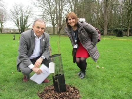 Professor Andrew Davies and Rena Owen