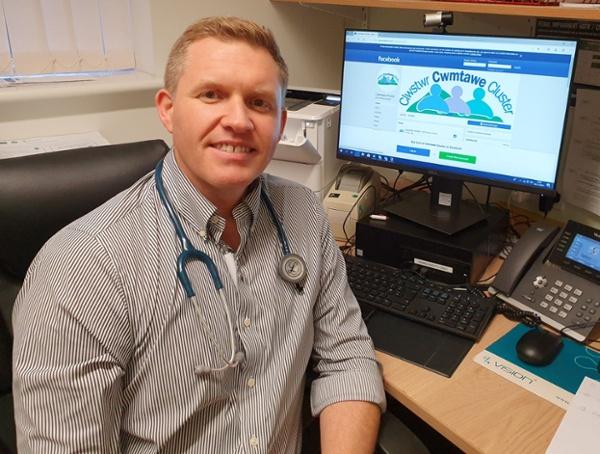 Dr Iestyn Davies