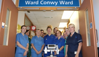 Conwy Ward receives new bladder scanner thanks to fundraising efforts