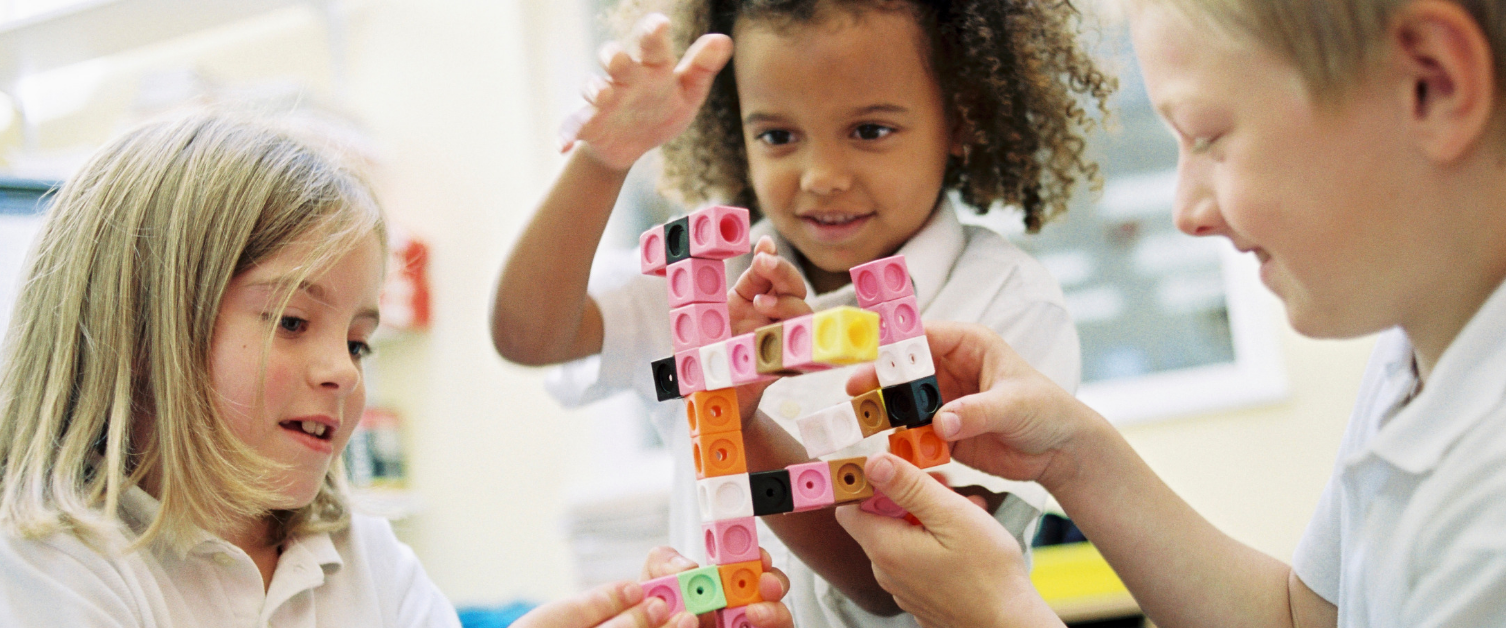 children building blocks