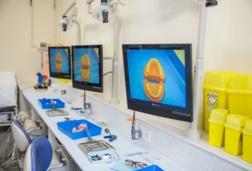 Screen showing dental prosthesis