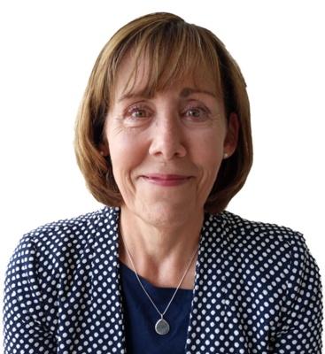 Angela Parry (Cyfarwyddwr Nyrsio Dros Dro)