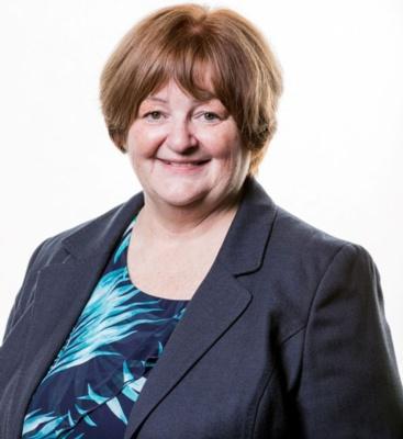 Tina Donnelly (Aelod annibynnol)