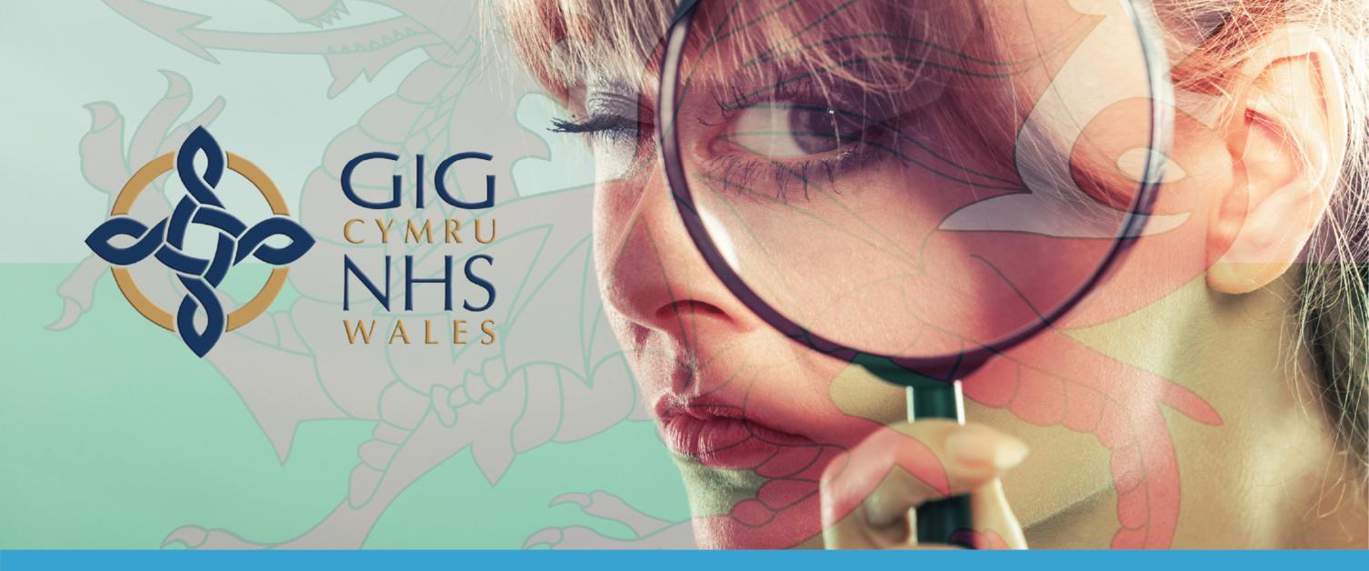 Woman with magnifying glass / Menyw gyda chwyddwydr