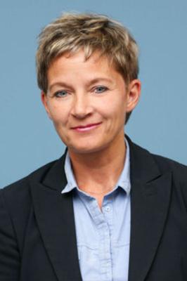 Tracey Cooper Portrait